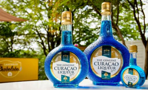 blue-curacao-blue-poop