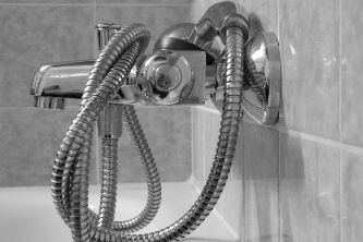 repair-leaky-shower-faucet