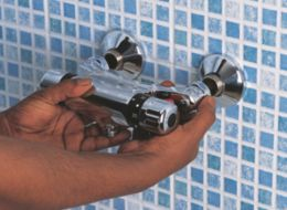 replace-shower-faucet